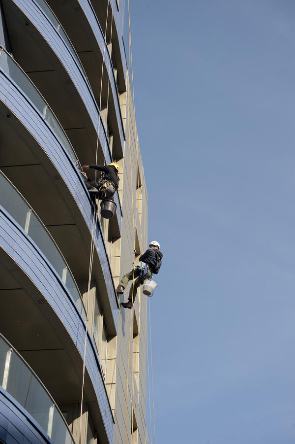 5 Reasons Why Abseil Window Cleaning Is Best